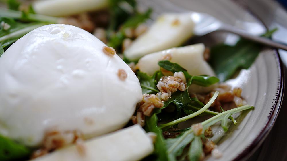 faqrro-mozzarella-rucola-pera-insalata