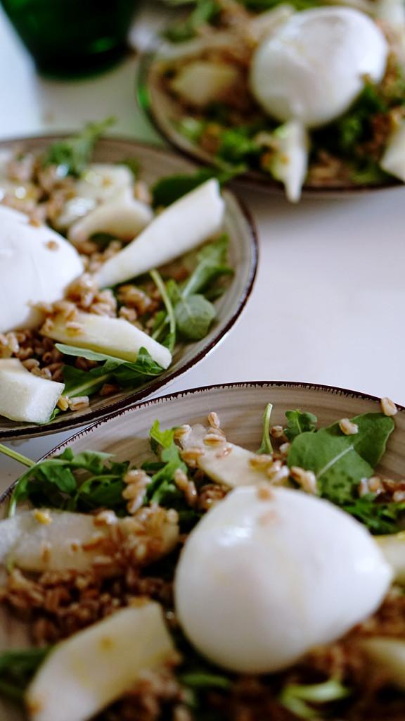 insalata-farro-mozzarella-pera